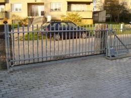 Brána 02-realizace byla provedena pro firmu Apleg